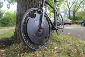 Электровелосипед можно сделать из обыкновенного байка при помощи электро-колеса