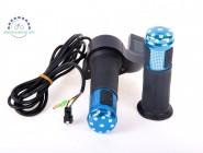Ручка газа полноразмерная, со встроенным вольтметром 12-90в и металлическими вставками. Синяя.